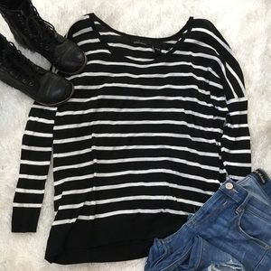 Sz S Black & White Striped Lightweight Sweater